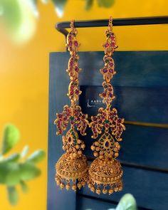 Bridal Jewelry Vintage, Silver Wedding Jewelry, Gold Bridal Earrings, Gold Jewelry Simple, Bridal Jewellery, Bridal Jewelry Sets, Jewelry Design Earrings, Gold Earrings Designs, Mang Tikka