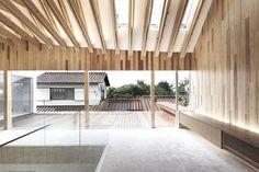 Zahnarztpraxis in Mino City, Japan, Architekt Kohki Hiranuma, Innenraum, Holz, Glas