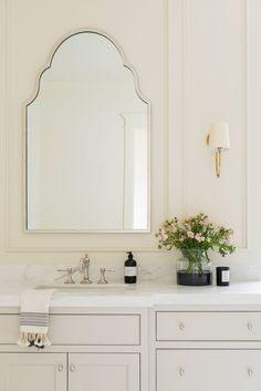 all white bathroom design // large bathroom vanity Home Interior, Bathroom Interior, Bathroom Furniture, Interior Design, Kitchen Interior, Modern Interior, Bathroom Mirror Design, Bathroom Vanities, Bathroom Layout