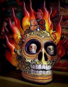 Day of the Dead skull and super for Samhain altar too Mexican Skulls, Mexican Folk Art, Mexican Style, Memento Mori, Caveira Mexicana Tattoo, Los Muertos Tattoo, Jorge Gonzalez, Sugar Skull Art, Sugar Skulls