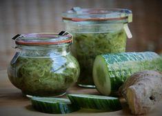 Okurková marmeláda se zázvorem recept - TopRecepty.cz Simply Recipes, Healthy Drinks, Pickles, Cucumber, Detox, Diy And Crafts, Mason Jars, Food And Drink, Herbs