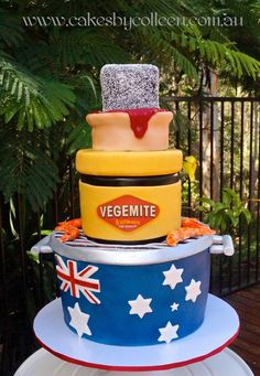 How do you make a cake that's more Australian than a lamington? Make a cake that's a lamington, a jar of Vegemite, a meat pie, the Aussie flag, and prawns Australian Memes, Aussie Memes, Australian Food, Australia Cake, Australia Funny, Iconic Australia, Melbourne Australia, Western Australia, Australia Day Celebrations