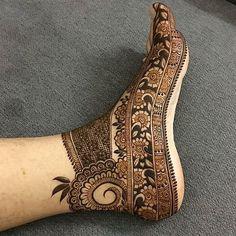 intricate foot design  // by @tanuusmani_henna .  .  .  .  .  .  .    #henna #mehndi #whitehenna #wakeupandmakeup #zentangle #boho  #monakattan #flowers #hennadesign #tattoo #girlyhenna #art #inspo #hennainspo #hennaart #photooftheday #mendhi #hennaartist #hennatattoo #naturalhenna #bridalhenna #7enna #doodle #art #mandala #beauty #love #feather