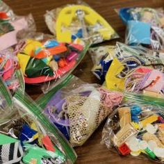 Middle School Art, Art School, Art For Kids, Crafts For Kids, Diy Crafts, Art Bag, School Art Projects, Art Lessons Elementary, Art Programs