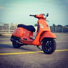 A Vespa is a relatively straightforward vehicle. Vespa is among the well-known brands of the planet and has been a favourite selection of people Vespa Gts 250, Vespa 300, Retro Scooter, Scooter Custom, Vespa Lambretta, Vespa Scooters, Apex Scooters, Piaggio Vespa, Vespa Tuning