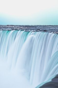 man-and-camera: Niagara Falls ➸ Luke Gram
