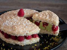 Voici une Dacquoise Pistache Framboise, un délicieux gâteau dont la recette m'a été donnée par le Chef Pâtissier Thierry Bamas lors d'un cours de pâtisserie.
