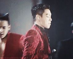 When TOP is late to the performance- gif too cute.....