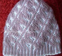 Женская шапка в технике Brioche Stitch. Knitted Hats, Beanie, Stitch, Knitting, Pattern, Fashion, Knitting Projects, Tricot, Caps Hats