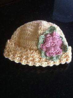 Crochet baby hat.  I wnt to make this.