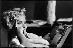 """""""Marilyn Monroe, New York 1956 (Reading Book)"""" by Elliott Erwitt is available for sale. Explore beautiful Marilyn photos on HL Photo Gallery. John Kennedy, White Photography, Street Photography, Timeless Photography, Photography School, Photography Portraits, Photography Lessons, Digital Photography, Che Guevara"""