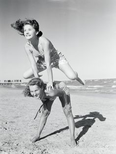 Girls Playing Leapfrog on Beach Fotografie-Druck von Philip Gendreau bei AllPosters.de