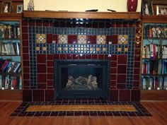 Frank Lloyd Wright's Frank Thomas House tile really pops in this beautiful fireplace installation Craftsman Interior, Craftsman Style Homes, Frank Lloyd Wright, Illinois, Craftsman Fireplace, Victorian Tiles, English Country Style, Art And Craft Design, House Tiles