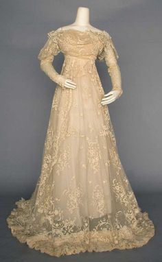 LACE WEDDING GOWN, PARIS, c. 1910. This is the perfect wedding dress!
