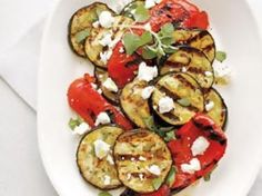 Salad with sweet peppers, aubergines and feta cheese / Σαλάτα με Γλυκιά Πιπεριά, Μελιτζάνα και Φέτα