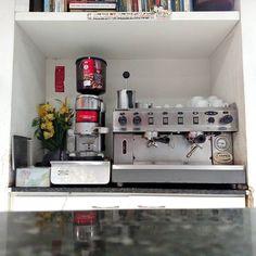 Meta de vida: ter uma cafeteira industrial em casa. Ou algo equivalente.