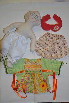 Cartamodello bambola in stoffa modello Pigotta. Lunch Box, Fabrics, Bento Box