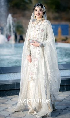 Lovely Girl Picture You are in the right place about Bridal Outfit 2018 Here we offer you the most beautiful pictures about the Bridal Outfit punjabi you are looking for. When you examine the Lovely G Pakistani Wedding Outfits, Indian Bridal Outfits, Pakistani Bridal Dresses, Pakistani Wedding Dresses, Bridal Lehenga, Bridal Gowns, Nikkah Dress, Shadi Dresses, Designer Party Wear Dresses