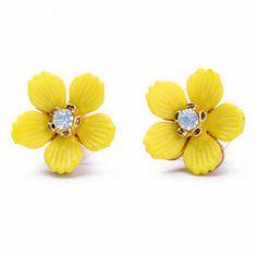 Adorable Yellow Daisy Earrings