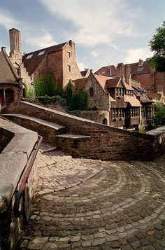 St. Bonifacius Bridge in Bruges, #Belgium  | by © Howard Somerville | via ysvoice