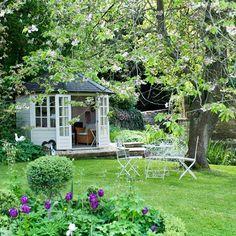 Country Garden Design Ideas | Ideas for Home Garden Bedroom Kitchen – HomeIdeasMag.com