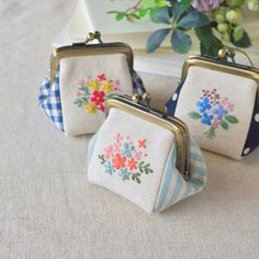 Pin by Pampon on 刺繍 Purses And Handbags, Handbags On Sale, Embroidery Purse, Bag Pins, Frame Purse, Pencil Bags, Jute Bags, Beaded Purses, Purses For Sale