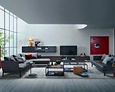 Dante Bonuccelli interprets modernity preferring lightness and flexibility of the suspended shelves instead of volumes.