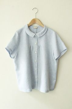 Product blouse / small tuck blouse