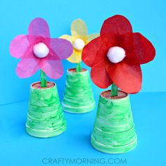 Make spoon flowers using tissue paper, styrofoam cups, pom poms, spoons, and paint! It's a lovely mother's day gift idea from kids.
