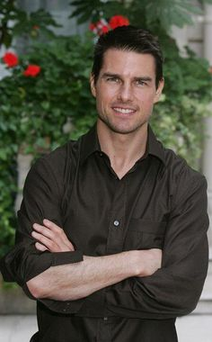 Tom Cruise Hot, Tom Cruise Young, Men's Toms, Mission Impossible, Top Gun, Zac Efron, David Beckham, Famous Faces, Pretty Face