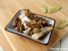 Smak Mojego Domu: Śledzie z podsmażaną cebulą i pieczarkami