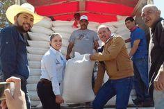 Ganaderos reciben 140 toneladas de maíz molido
