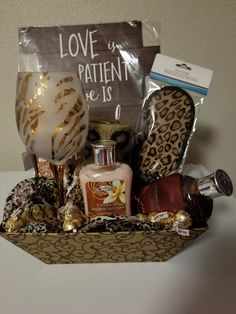 Trending Mother's Day Gifts Guide Gift Baskets For Women, Mother's Day Gift Baskets, Holiday Gift Baskets, Themed Gift Baskets, Raffle Baskets, Cute Birthday Gift, Birthday Gift Baskets, Mothers Day Baskets, Dollar Tree Gifts