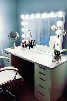 33 Most Popular Makeup Vanity Table Designs 2018