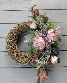Flowers Perennials, Grapevine Wreath, Funeral, Grape Vines, Wicker, Diy And Crafts, Floral Wreath, Wreaths, Christmas