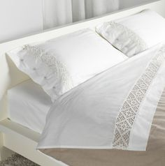 EMMIE SPETS sheet set - crisp, cool cotton with a refined lace element. EMMIE SPETS sheet set - crisp, cool cotton with a refined lace element. Bedroom Sets, Home Bedroom, Bedroom Furniture, Lace Bedding, Bedding Sets, Beds Uk, Ikea Us, Cool House Designs, Beautiful Bedrooms