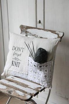 I need this pillow! (via andrella liebt herzen)