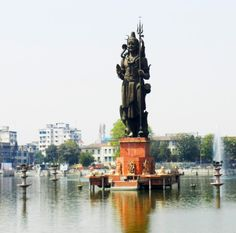 SurSagar Lake Vadodara - adventure trip near ahmedabad  Tourism industry is being greatly promoted these days in Gujarat. Many adventure activities are also coming up in the big cities of this state as well as the vicinities of those cities. For all the people in Ahmedabad who are tired of living the same city life, try out some adventurous activities. Take a break and take an adventure trip near Ahmedabad.