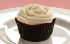 Red Velvet Cupcakes with Almond Icing in 20 mins by Food Network Kitchens | Cupcakes Professional recipe | Foodnetwork.co.uk