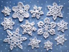 Crochet snowflakes, free crochet pattern ~ make handmade - handmade - handicraft Crochet Star Patterns, Crochet Stars, Christmas Crochet Patterns, Holiday Crochet, Crochet Snowflakes, Christmas Snowflakes, Crochet Motif, Pdf Patterns, Christmas Knitting
