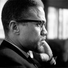 We remember Malcolm X on his birthday with a list of his most iconic quotes. Malcolm X Quotes, Black Orpheus, Rare Images, African Diaspora, Declaration Of Independence, Great Women, African History, Jfk, History Facts