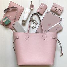 Fast Shipping, Louis Vuitton Neverfull & Chanel Wallet At Affordable Price. Source by lillydoot vuitton aesthetic Chanel Handbags, Louis Vuitton Handbags, Fashion Handbags, Purses And Handbags, Fashion Bags, Pink Louis Vuitton Bag, Fashion Women, Louis Vuitton Neverfull, Looks Kim Kardashian