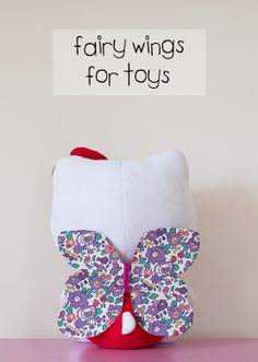 How To Make Fairy Wings For Toys out of old cereal boxes. Quick and easy