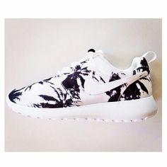 Nike white shose