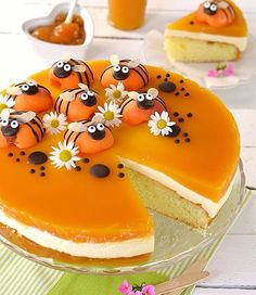 Bee Cake 🐝 with soft base, Cheesecake cream and apricot jelly made b Just Desserts, Delicious Desserts, Yummy Food, Crazy Cakes, Fancy Cakes, Bee Cakes, Cupcake Cakes, Baking Recipes, Cake Recipes