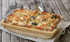 Krema laks- og pastagrateng - LINDASTUHAUG A Food, Food And Drink, Indian Food Recipes, Ethnic Recipes, Pasta, Granola, Quiche, Nom Nom, Muffins