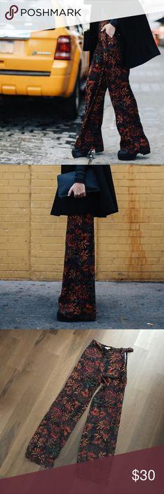 HM Floral wide leg trousers Sz 2 NWT HM Floral wide leg trousers Sz 2 NWT H&M Pants Wide Leg