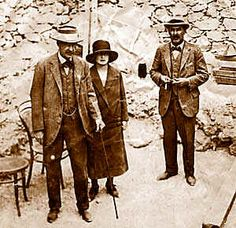 Howard Carter with Lord Carnarvon and Lady Evelyn Herbert, in Egypt at the time of the discovery of Tutankhamun's tomb - InfoBarrel Images