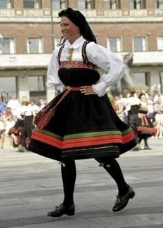 Setesdalsbunad #BUNAD #NORWAY Fantasy Costumes, Well Dressed, Norway, Cheer Skirts, Southern, Girls, How To Wear, Crafts, Hama