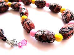 """Náhrdelník """"Růžový parfait"""" Pestrobarevný náhrdelník z latky a velkých korálků. Délka = 59 + 2, 5 cm"""